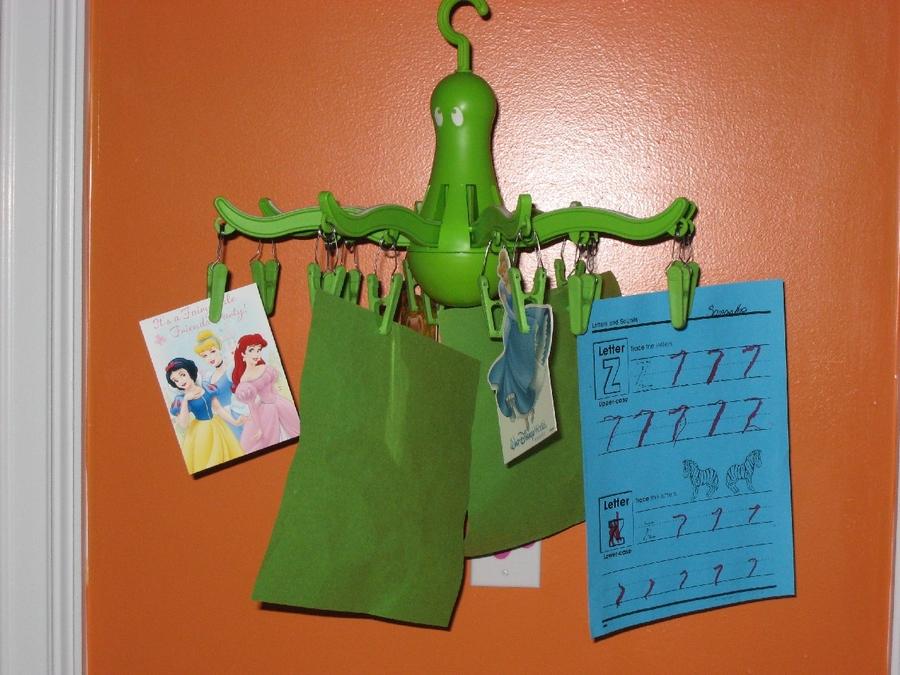 Octopus Clothes Hanger1