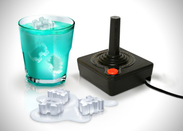 Space Invaders Ice Tray Cover