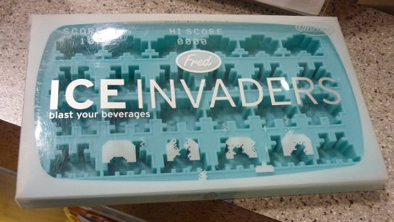 Space Invaders Ice Tray Packaging