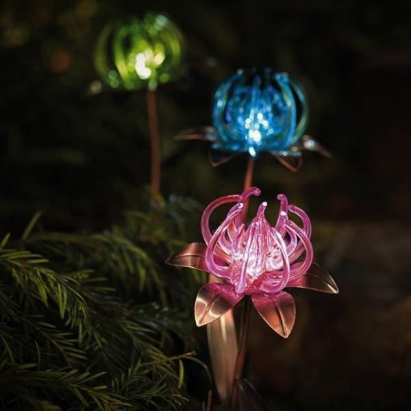 Solar Spider Flower Garden Stakes 1
