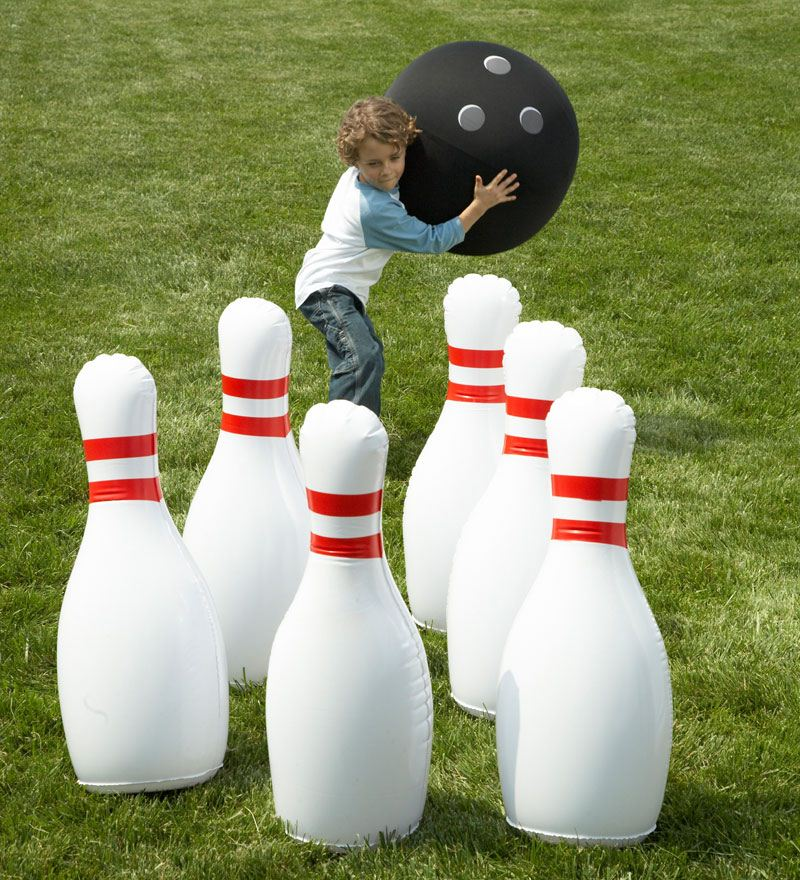 Giant Backyard Games: Outdoor Giant Inflatable Bowling Game