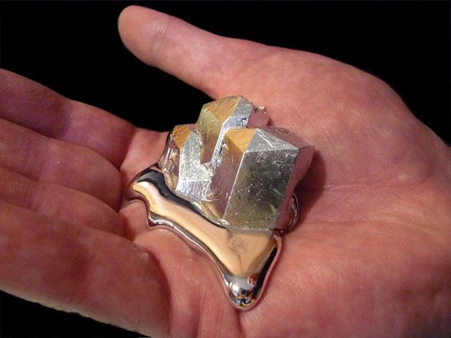 Melting Gallium Metal 1