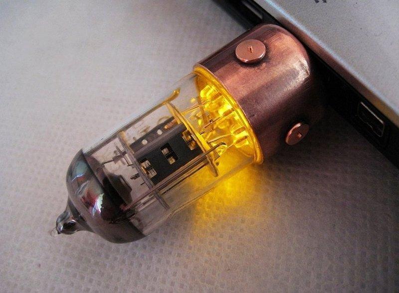 Radio Tube USB Flash Drive